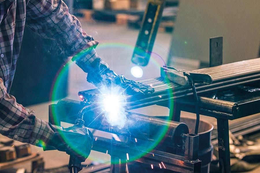 Lavorazione manuale del metallo