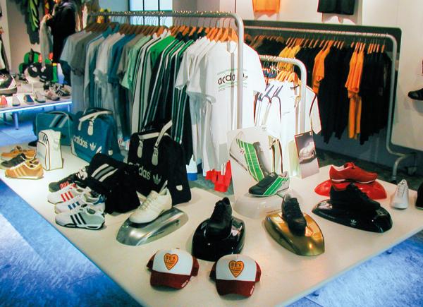 arredo-negozi-ADIDAS