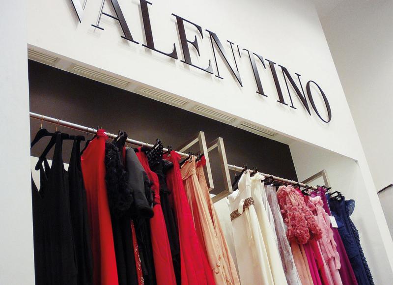 arredo-negozi-VALENTINO